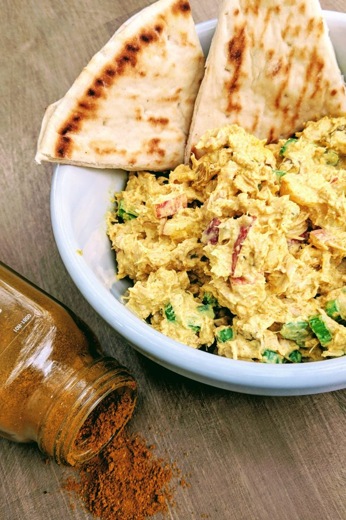 Curry Tuna Salad | Lunch | Quick and Easy |  #readcookdevour #cannedtuna #easylunch #loveyourlunch #frugalmeals #eatingonabudget #picnicfood #tunafish #curry #naan